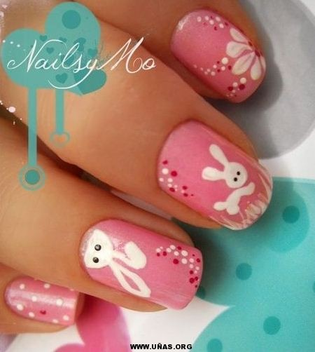 Uñas decoradas con conejitos