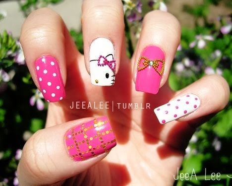 unas-decoradas-hello-kitty-gel