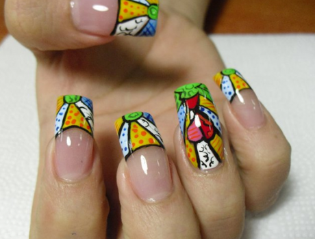 Fotos de uñas decoradas al estilo britto