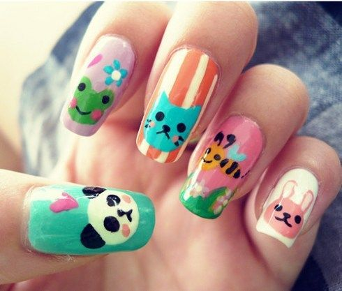 fotos de uñas decoradas a mano