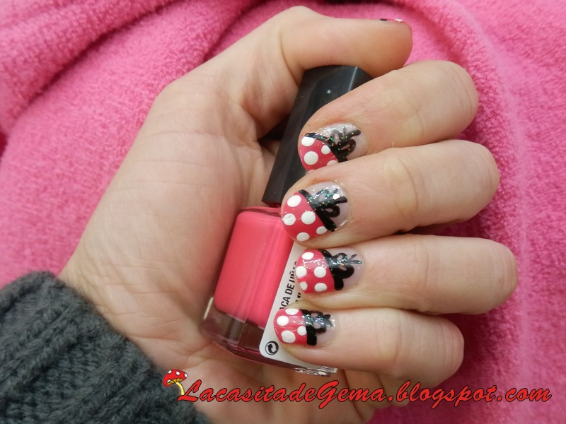 videos de fotos de uñas decoradas