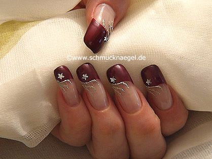 Uñas decoradas con strass