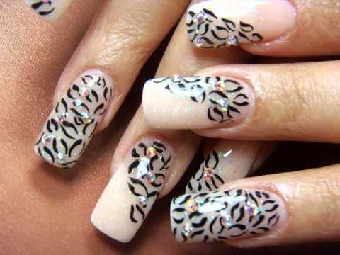 decorados de uñas animal print con piedras